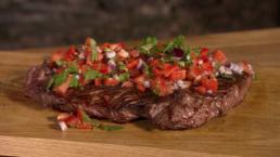 BBQ recept - Gegrilde bavete met tomatenpaprikasalsa - Ik BBQ voor Jou